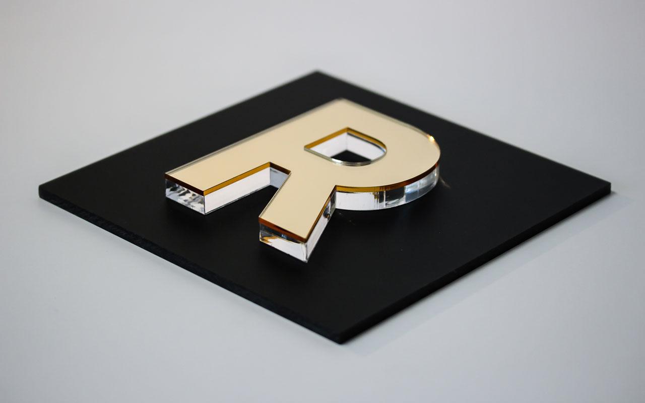 kl_plex-gold-mirror-onplex10_1280